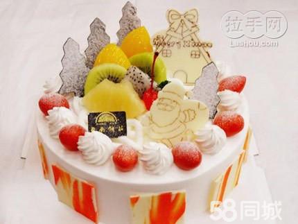 纯手工制作的佩佩猪造型蛋糕