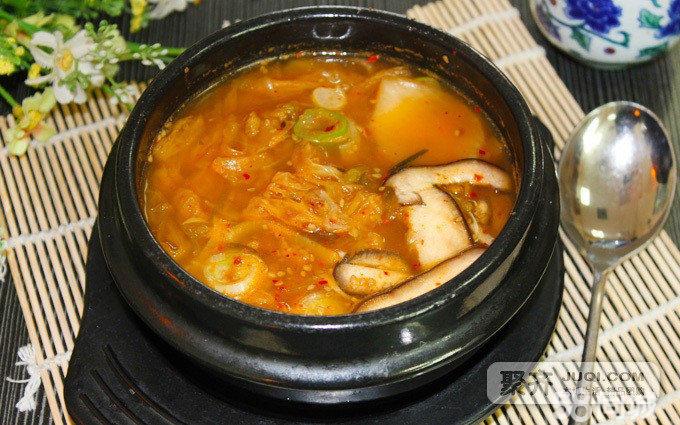 传统正宗韩式美味,品正宗韩式料理,这个冬季,让美食带你到这个唯美图片