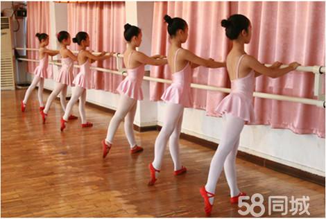 幼儿舞蹈班造型图片