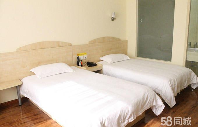 背景墙 房间 家居 酒店 设计 卧室 卧室装修 现代 装修 680_435