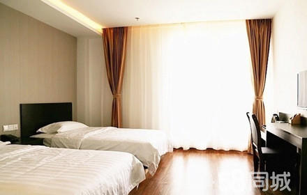 仅售128元,酒店门市价218元的江山128宾馆标准间1晚,节假日通用,免费停车,温馨的环境,温馨的家!