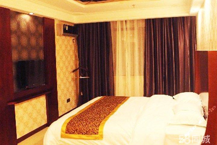 【长虹北路】尊享九江怡峰酒店套间9小时+免费宽带+免费停车+免费拨打国内长话、市话!酒店装修现代,风格简约,舒适柔软的床上用品,贴心的服务,家一般的住宿环境,是您出行选择的不错下榻之所!