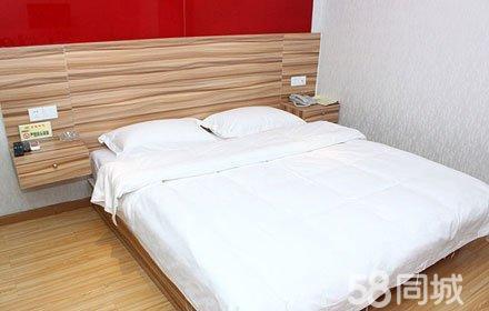 仅售88元,酒店门市价108元的金盛顺心宾馆特价房入住,节假日通用,可叠加,温馨享受,舒适而归!