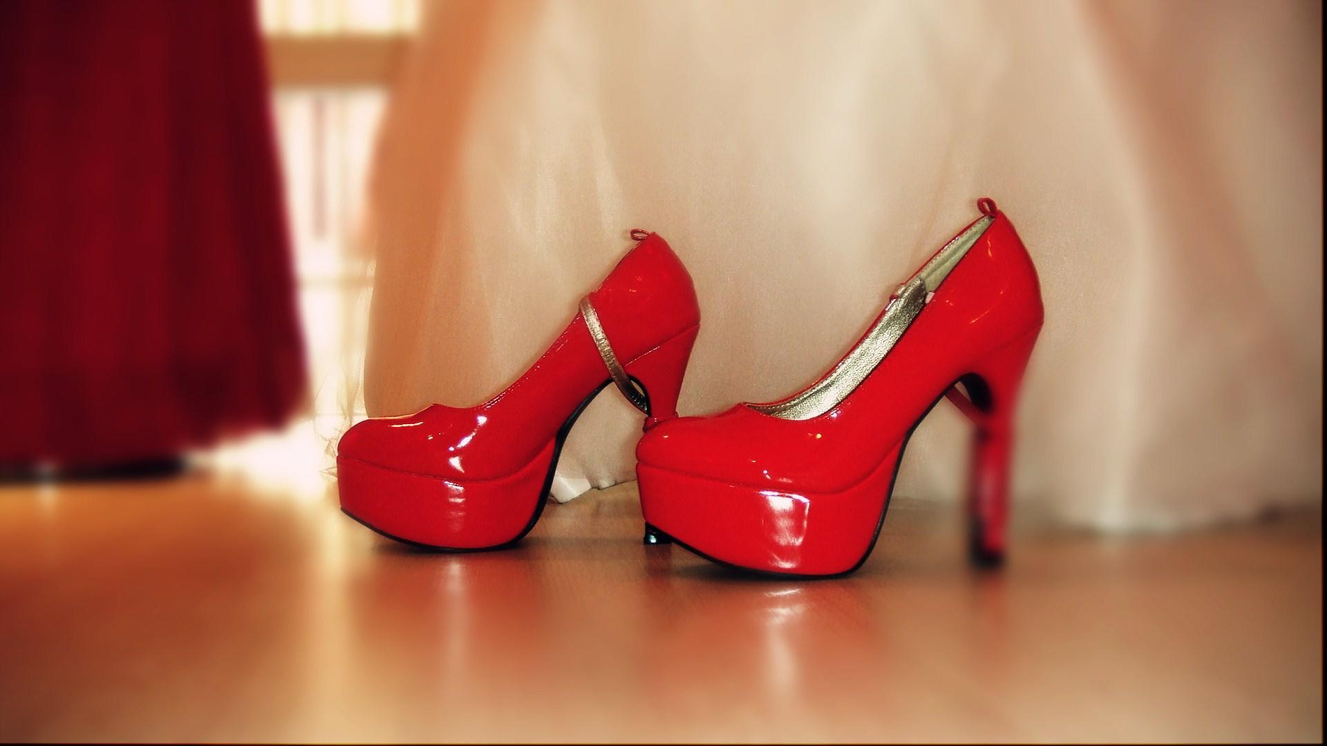 中式婚纱穿的鞋