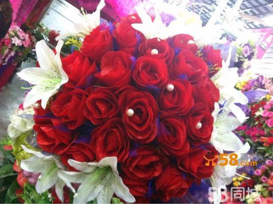百合红玫瑰求婚花手捧花
