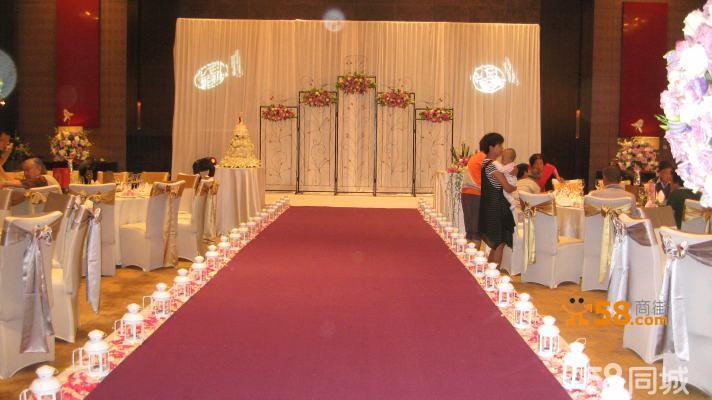承接婚礼场地布置:led大屏桁架喷绘舞台背景