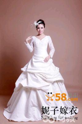 茉莉长袖婚纱采用经典欧式风格与东方