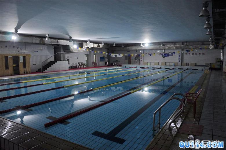 工体游泳场